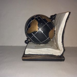Globe & book Bookend